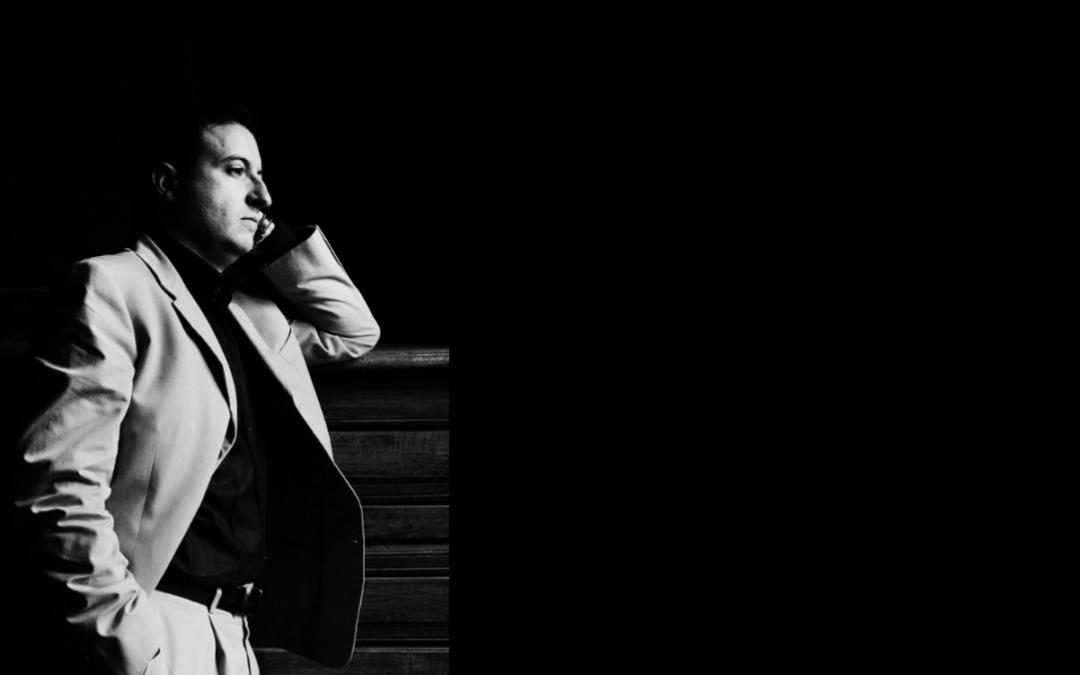 Carlos Mena, una temporada llena de éxitos y proyectos, como director y cantante
