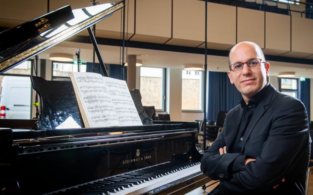 Alfonso Gómez publica «Veinte miradas sobre el niño Jesús» de Olivier Messiaen